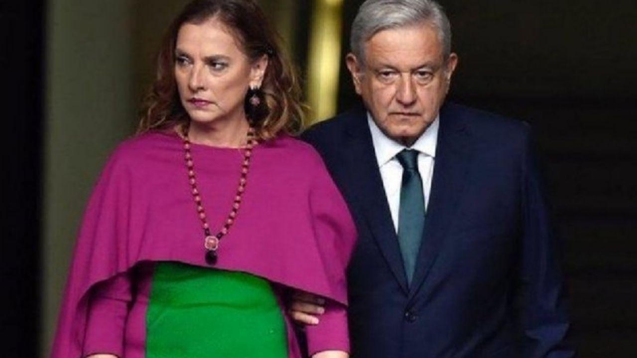 Se burlan de Gutierrez Müller y su vestido, la llaman Barney | Gluc.mx