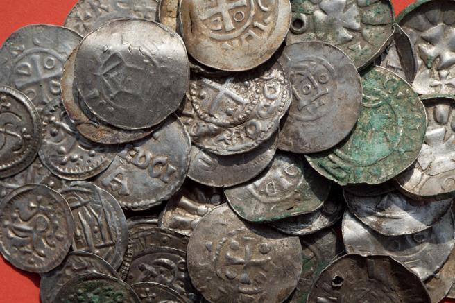 Un niño de 13 años descubrió un increíble tesoro Vikingo   Gluc.mx