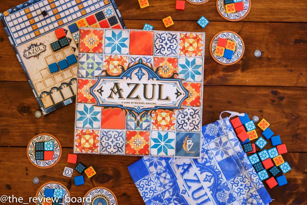 juego de mesa azul